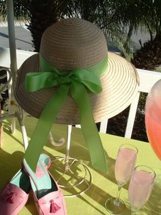 cute decor idea for a summer luncheon Ladies Luncheon, Bridal Luncheon, Tea Party Bridal Shower, Ladies Party, Bridal Table Decorations, Party Table Centerpieces, Tea Party Table, Creative Party Ideas, Spring Hats