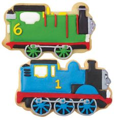 Thomas & Friends Blue Choo-Choo Cookies - Thomas is right on time for a sweet treat with this crunchy cookie decorated in shiny Color Flow icing. Use the Thomas & Friends Cookie Cutter Set to cut the train engine shaped cookie. Iced Cookies, Cute Cookies, Cupcake Cookies, Sugar Cookies, Cupcakes, Yummy Cookies, Thomas Birthday, Boy Birthday, Birthday Ideas
