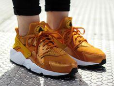 acheter basket Nike Wmns Air Huarache 'Sunset Gold Dart' (femme) (3)