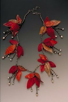 Jewelry from paper. This necklace is fabulous! I want one just like it!!