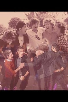 Wish I could freeze this moment in a frame and stay like this. Or put this day back on replay and keep reliving it. <3 :')