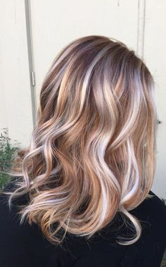 37 Cream Blonde Hair Color Ideas for This Spring 2019 Cream Blonde Hair Color Healthy cream blonde curls seem like an unattainable dream for any beauty who want to brighten their hair. It is not so easy t. Red Ombre Hair, Hair Color Balayage, Blonde Color, Blonde Balayage, Hair Colour, Brown Hair With Highlights, Brown Hair Colors, Blonde Hair With Copper Lowlights, Hair Colors For Blondes