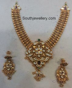 Antique Necklace with Kundan Pendant