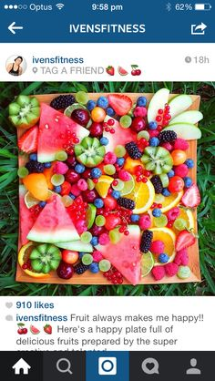 Fruit platters like this ♡ Party Food Platters, Fruit Platters, Healthy Snacks, Healthy Recipes, Good Food, Yummy Food, Snacks Für Party, Food Presentation, Fruits And Veggies