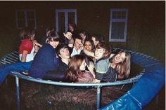 Friendship - friendship quotes, best friend images on We Heart It Best Friend Pictures, Friend Photos, Cute Friends, Best Friends, Teenage Wasteland, Summer Aesthetic, Aesthetic Grunge, My Vibe, Bffs