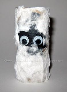 Mummy Craft made from toilet paper tube #Halloween