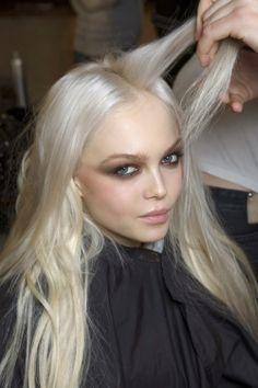 I love her platinum hair!