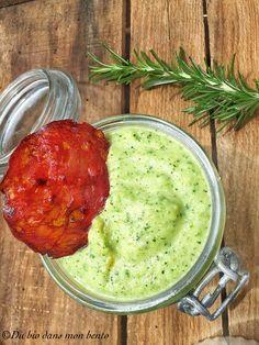 Tartinade de courgette à la menthe et ses chips de chorizo #viande #healthy #tartinade