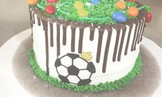 Εντυπωσιακές τούρτες με θέμα το ποδόσφαιρο! (pics) Birthday Cake, Desserts, Food, Tailgate Desserts, Deserts, Birthday Cakes, Essen, Postres, Meals