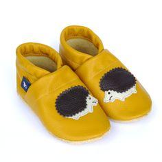 Gelbe Krabbelschuhe aus Leder für die ersten Schritte Deines Kindes / yellow baby shoes by pantau-eu via DaWanda.com