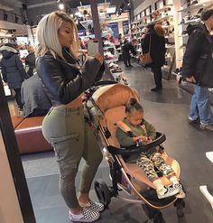 Shopping with my girl today ! I always try and dress us semi matching 😅 Cute Family, Baby Family, Family Goals, Pregnancy Goals, Pregnancy Outfits, Baby Momma, Baby Love, Vetement Fashion, Mom Daughter