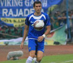 Padatnya Jadwal ISL Bukan Masalah Bagi Bek Persib Vladimir Vujovic