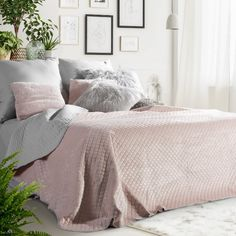 #homedecor #interiordesign #inspiration #decoration #decor #pink #pastel #decoration #bedroom #bedroomdecor Pink Grey, Throw Pillows, Blanket, Dom, Inspiration, Home Decor, Scandinavian, Biblical Inspiration, Toss Pillows