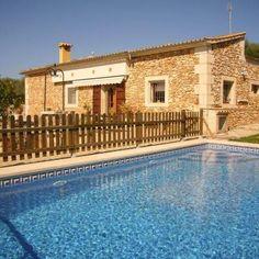 Bosquerro Finca bei Santa Margalida  2 Schlafzimmer, 1 Bad  Kindersichere Finca mit Spielplatz und eingezäuntem Pool!
