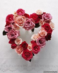 Rose Heart Centerpiece or wreath - heart - Valentines - Valentine Craft - Valentine Decorating Ideas Valentine Day Wreaths, Valentines Day Decorations, Valentine Day Crafts, Happy Valentines Day, Valentine Roses, Valentine Heart, Kids Valentines, Decoration St Valentin, Fruits Decoration