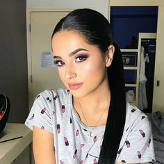 Discovered by BeAlright:). Find images and videos about idol, selfie and flawless on We Heart It - the app to get lost in what you love. Beautiful Black Hair, Beautiful Girl Image, Beautiful Women, Becky G And Sebastian, Becky G Style, Wedding Hair Colors, We Heart It, Heart Eyes, G Photos