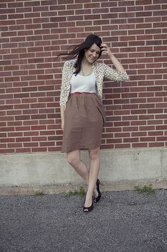 Leopard cardigan!  Turquoise necklace!  I like the skirt too.