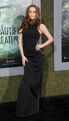 #ZoeyDeutch Wearing Oday Shakar – 'Beautiful Creatures' LA Premiere