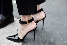 Céline Black Stiletto Pump