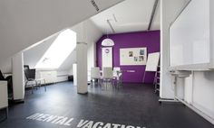 Großzügige Arbeitsplätze oder eigener Büroraum in kreativem Loftbüro direkt am Goetheplatz #Büro, #Bürogemeinschaft, #Office, #Coworking, #München, #Munich