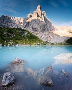 Turquoise lake | http://www.thenaturephotography.com/image/831/Turquoise_lake/