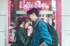 Imagen de couple, coffee, and lights