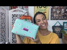 Diy Pouch Bag, Diy Purse, Diy Videos, Sunglasses Case, Diy And Crafts, Upcycle, Patches, Crafty, Purses