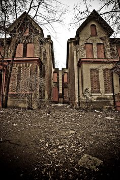 -Abandoned buildings Abandoned buildings photography by . Abandoned Buildings, Abandoned Property, Old Abandoned Houses, Abandoned Mansions, Old Buildings, Abandoned Places, Old Houses, Abandoned Detroit, Beautiful Ruins