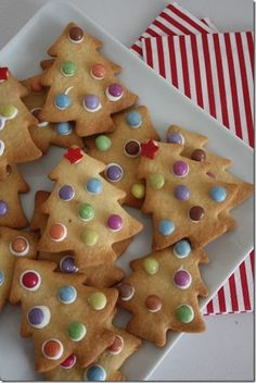 Christmas cookies simple - Christmas arrangements and ideas .- Christmas cookies simple – Christmas arrangements and ideas with … This may be so fascinating, get ready to get pleasure from it too. See much more at www. Xmas Food, Christmas Sweets, Christmas Cooking, Simple Christmas, Kids Christmas, Christmas Parties, Christmas Recipes, Christmas Christmas, Christmas Crafts