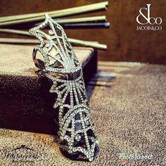 """By @chiarezza_baku """"В древности люди считали, что происхождение драгоценных камней окутано тайной и легендами, и многие из этих сокровищ, попавших на поверхность Земли, считались священными. Эксклюзивное кольцо от Jacob & Co с белыми бриллиантами на белом золоте #chiarezza_baku #chiarezza #jewellery #diamond #gold #luxury #lux #luxurylife #vip #exclusive #elegance #rich #beauty #fashion #art #ring #boutique #baku #uniquegroup"""" via @PhotoRepost_app"""