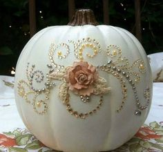 My gosh, isn't this pretty! Chalk painted pumpkin.