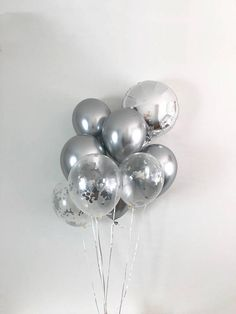 Chrome Silver Balloons Silver Confetti Balloons Chrome Balloons Silver Bridal Shower Silver Wedding Bachelorette Engagement Party Silver - New Deko Sites Filling Balloons, Up Balloons, Confetti Balloons, Birthday Balloons, Birthday Parties, Latex Balloons, 30th Birthday, Birthday Ideas, Silver Party Decorations