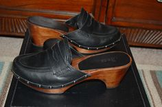 BASS Black Leather Studded Wood Clogs Mules 7 M