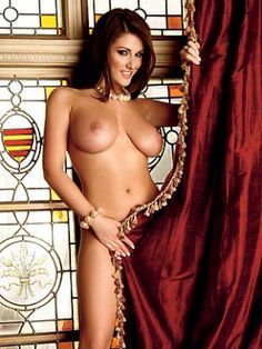 0781_104434_Iss0807_lucy_pinder_06