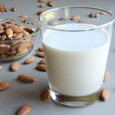 Yes, milk can do a body good- but almond milk can do a body even better! Almond milk contains more nutrients than other dairy milk alternatives like rice milk and works as a great alternative for those with soy and lactose allergies. Make Almond Milk, Almond Milk Recipes, Homemade Almond Milk, Real Homemade, Almond Flour, Health Benefits Of Almonds, Almond Benefits, Primal Recipes, Raw Food Recipes