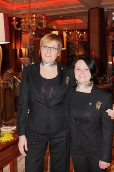 Our sommeliers, Alessandra Veronesi and Mara Vicelli during the very succesful #wine tasting night on #Internationalwomensday