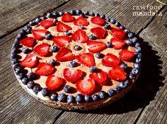 RAW čokoládový dort ~ rawfood mandala Raw Food Recipes, Strawberry, Pie, Fruit, Torte, Cake, Raw Recipes, Fruit Cakes, Strawberry Fruit