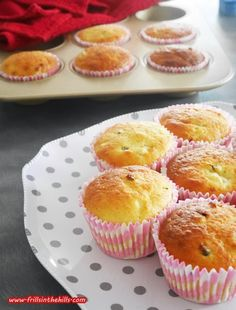 Frills in the Hills: Lunchbox legends: Banana passionfruit 'schoffin' muffins!