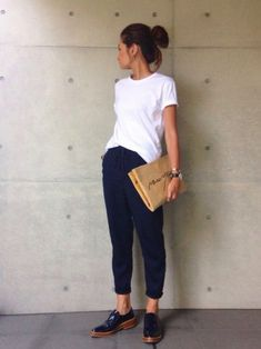 Find out our very easy, cozy & simply stylish Casual Outfit smart ideas. Get influenced with one of these weekend-readycasual looks by pinning your most favorite looks. Minimal Fashion, Work Fashion, Fashion Outfits, Womens Fashion, Fashion Trends, Minimalist Fashion French, Minimal Chic, Cheap Fashion, Casual Chique