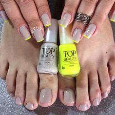 New Neutral Pedicure Fun Ideas Cute Nails, Pretty Nails, My Nails, Pretty Nail Designs, Toe Nail Designs, Glitter Accent Nails, Summer Toe Nails, Finger, Green Nails