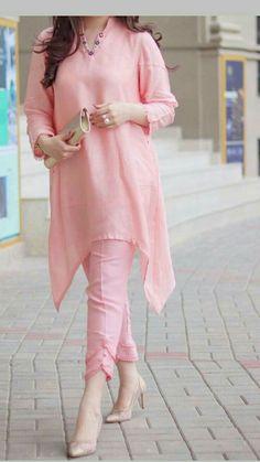Pakistani Fancy Dresses, Beautiful Pakistani Dresses, Pakistani Fashion Party Wear, Pakistani Dress Design, Muslim Fashion, Designer Party Wear Dresses, Kurti Designs Party Wear, Indian Designer Outfits, Kurta Designs