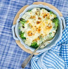 Broccoli and cauliflower gratin with peas - Recept - Dieta Crispy Smashed Potatoes, Diet Recipes, Healthy Recipes, Healthy Food, Chicken Corn Chowder, 5 2 Diet, Cauliflower Gratin, Turkey Glaze, Get Skinny