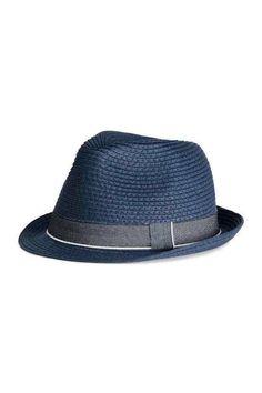 Sombreros de moda verano 2016: fotos de los looks - Sombrero HYM