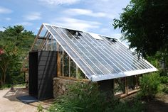 What Is Greenhouse Farming? Aquaponics Greenhouse, Backyard Greenhouse, Greenhouse Ideas, Modern Greenhouses, Green House Design, Potting Sheds, Potting Benches, Rainwater Harvesting, Japanese Architecture