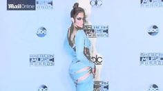 Jennifer Lopez puts her curves on display at AMAs