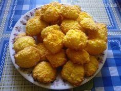Tento recept na kokosky som našla na nete ... sú vynikajúce a bleskové ... :-)  len majú jednu chybu ( je ich málo ) :-D , preto ich treba robiť aspon z dvoch dávok ... :-)
