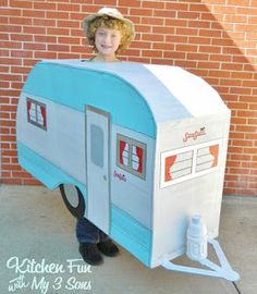 Okay.Seriously. How cool is this vintage camper Halloween costume! Kitchen Fun with my 3 Sons created a vintage camper costume for their son using a refrigerator box and spray paint. How ingenious…
