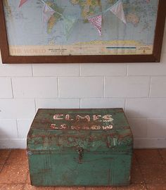 Vintage metal TRUNK, chest, blanket box or coffee table, shabby industrial green Blanket Box, Rustic Charm, Amelie, Vintage Metal, Dessert Ideas, Interior And Exterior, Decorative Boxes, New Homes, Shabby
