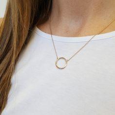 Pendant Necklace, Jewellery, Facebook, Fashion, Moda, Jewels, Fashion Styles, Schmuck, Fashion Illustrations
