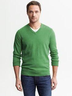 Cotton v-neck pullover | #BananaRepublic
